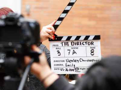 https://bluemoonfilmworks.com/wp-content/uploads/2019/04/action-clapper-film-director-1117132-1-400x300.jpg